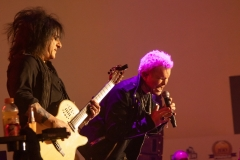 Billy Idol and Steve Stevens rock the house!
